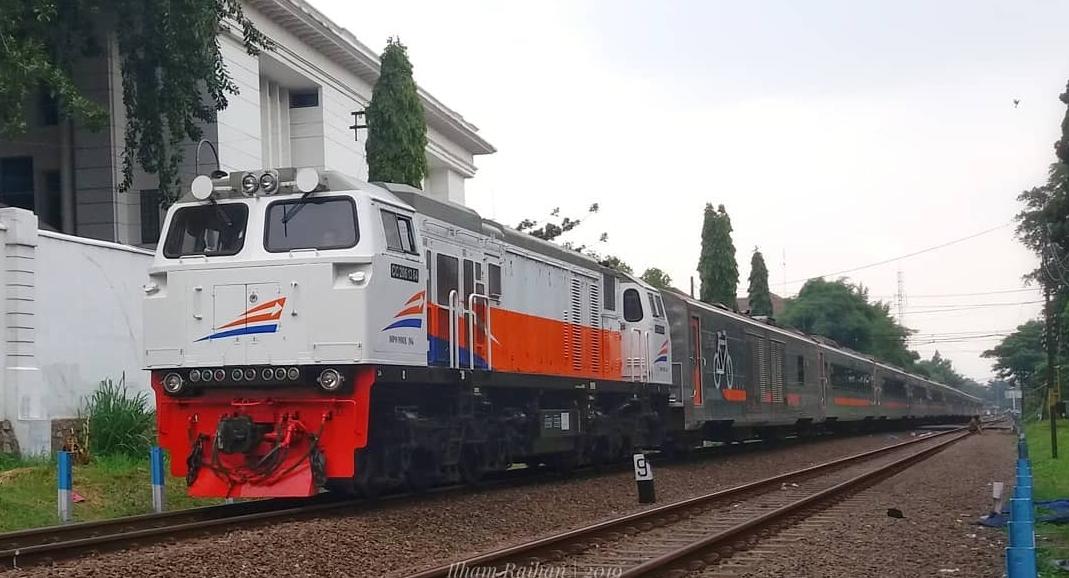 kereta api argo parahyangan