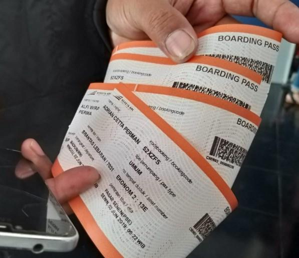 pesan tiket lebih dari 4 orang